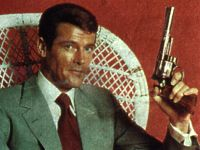 Roger Moore ist James Bond